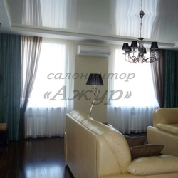 Ярко-бирюзовые шторы
