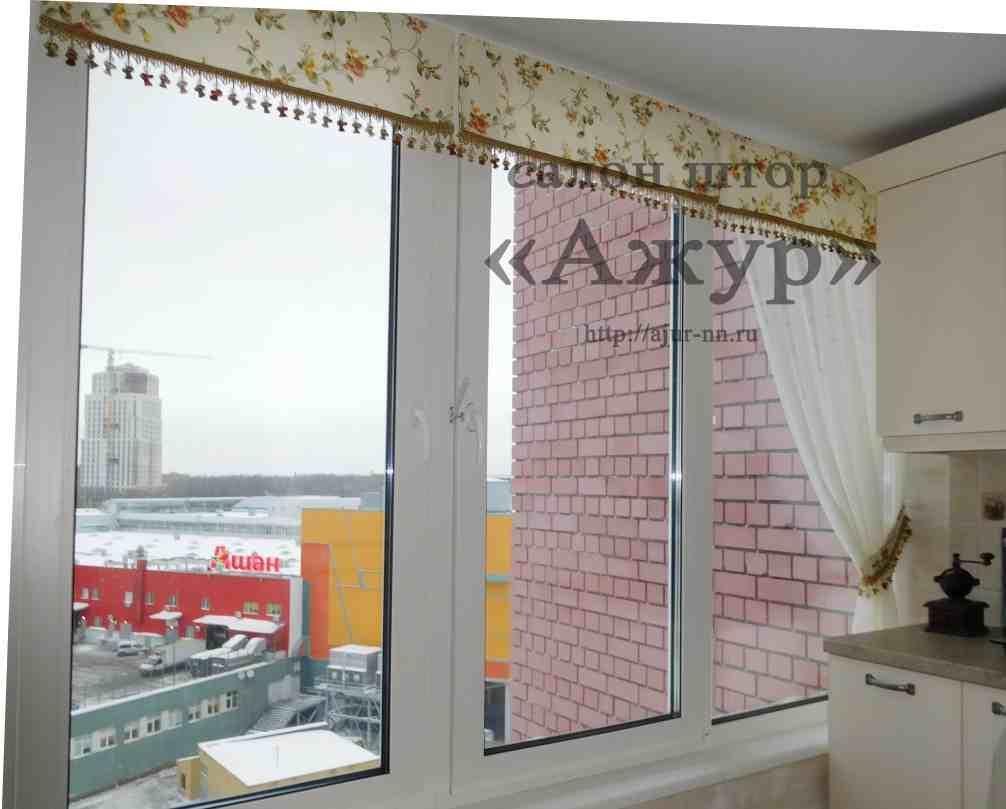 Сетка вышивка на окне 213